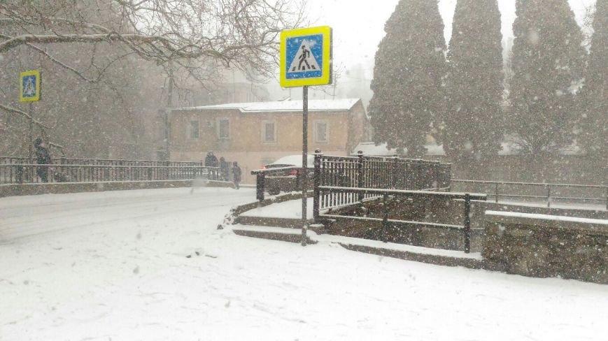 ФОТО: Ялту завалило снегом, фото-24