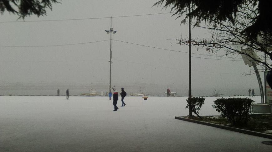 ФОТО: Ялту завалило снегом, фото-26