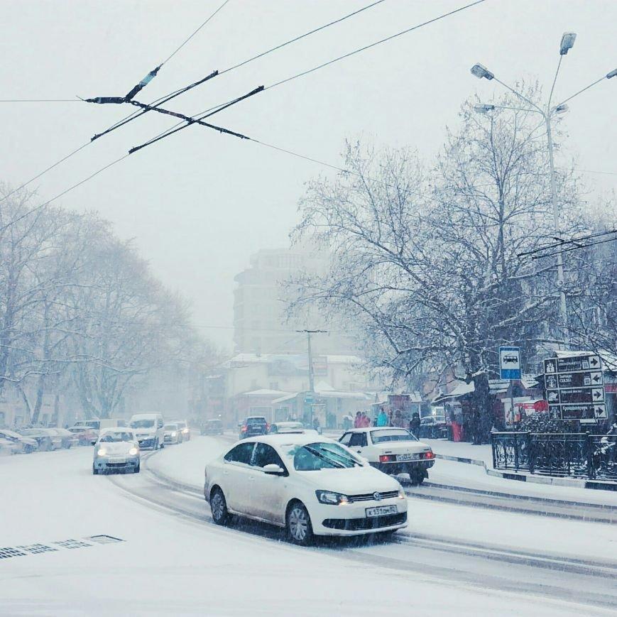 ФОТО: Ялту завалило снегом, фото-17
