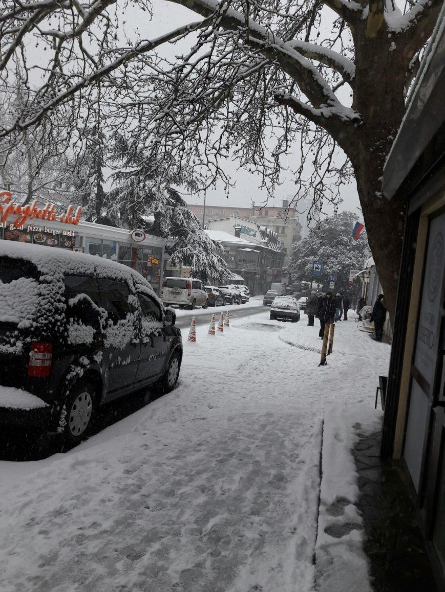 ФОТО: Ялту завалило снегом, фото-19