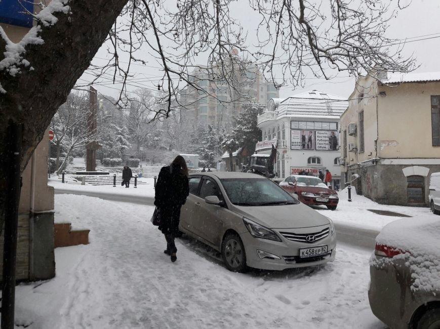 ФОТО: Ялту завалило снегом, фото-18