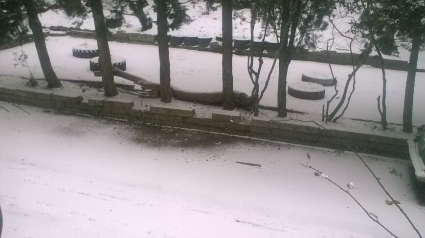 ФОТО: Ялту завалило снегом, фото-3