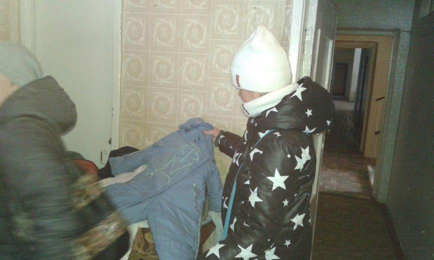 В Авдеевку привезли теплые вещи для нуждающихся (ФОТО), фото-2
