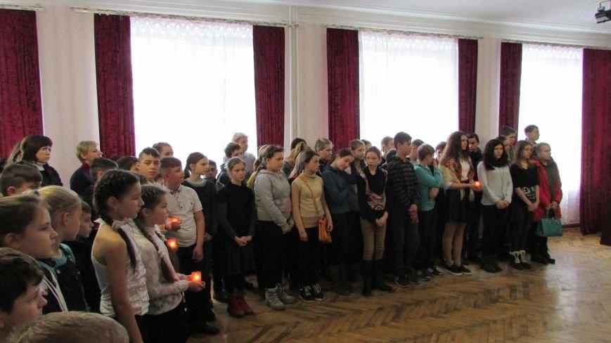 Воспитанники школы-интерната почтили память героев Крут, фото-1