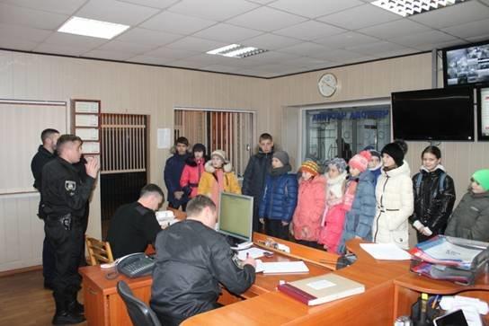 Школярі побували на екскурсії у Броварському відділу поліції (Фото), фото-1