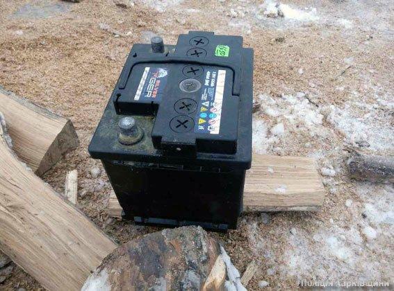 В Змиеве безработная пенсионерка украла аккумулятор (ФОТО), фото-1