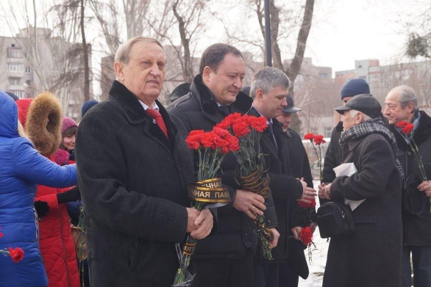 В Запорожье Богуслаев и Брыль почтили память евреев, убитых во время Холокоста, - ФОТО, фото-1
