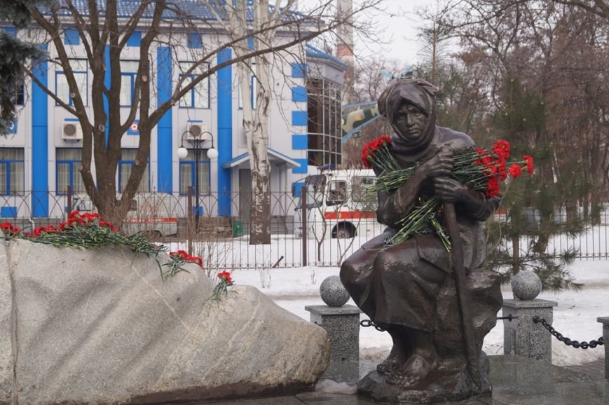 В Запорожье Богуслаев и Брыль почтили память евреев, убитых во время Холокоста, - ФОТО, фото-4