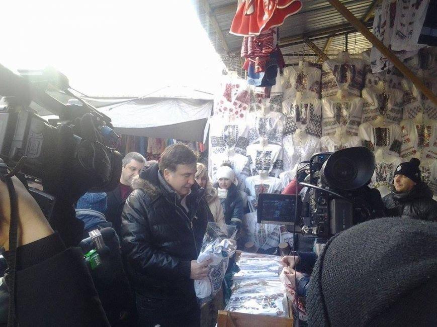 Продавці Калинівського ринку обслуговують відомих політиків, фото-1