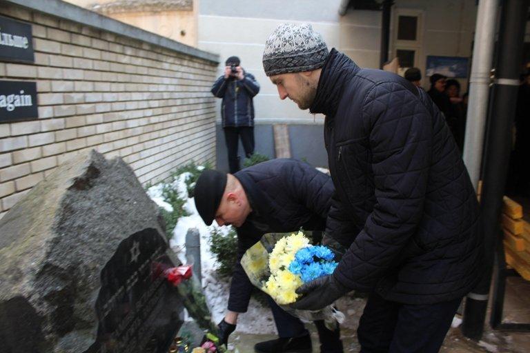 В Чернівцях відбувся мітинг в честь пам'яті жертв Голокосту, фото-1