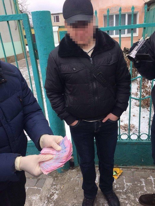 СБУ затримала на хабарі начальника одного з відділів поліції на Херсонщині (фото), фото-1