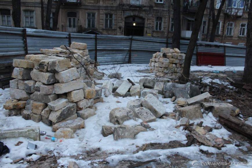 В руинах одесского Масонского дома поселились люди и звери (ФОТО), фото-2