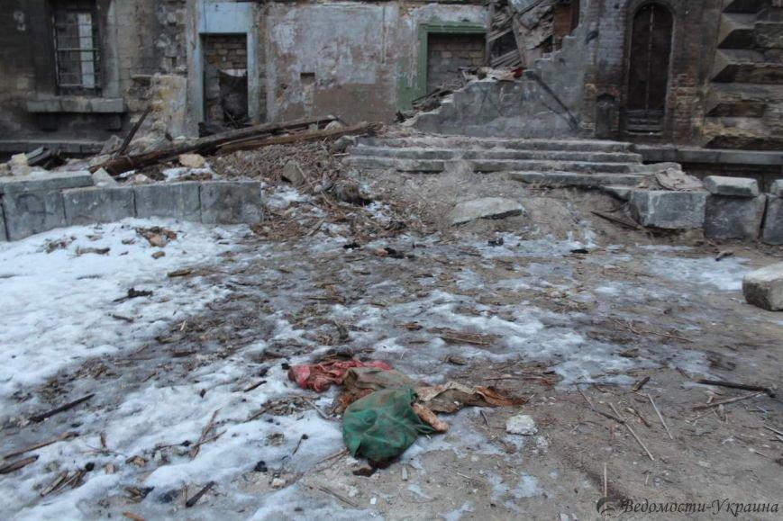 В руинах одесского Масонского дома поселились люди и звери (ФОТО), фото-3