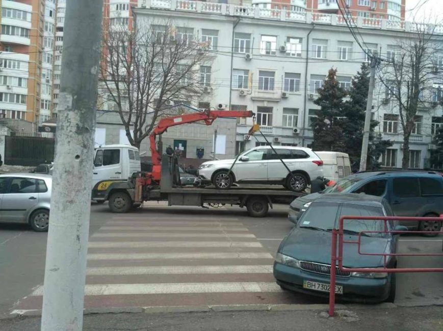 Одесские герои парковки массово лишились своих авто (ФОТО, ВИДЕО), фото-1