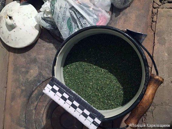 """В Харькове два брата """"хранили для себя"""" 8 килограмм марихуаны (ФОТО), фото-1"""