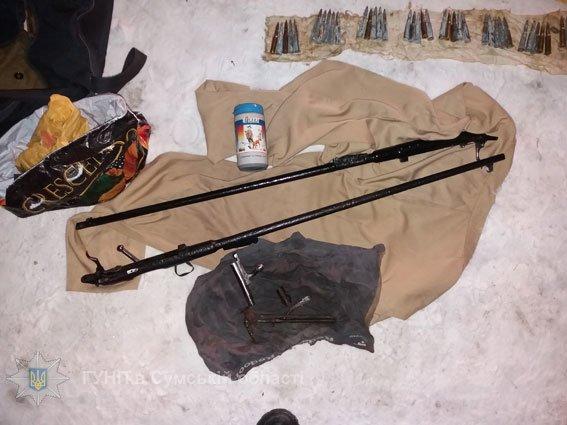 Гвинтівки, порох, патрони, а також оптику намагався приховати від поліції уродженець Конотопщини, фото-1