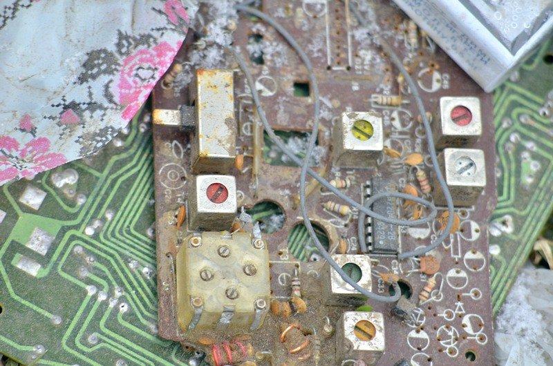В одесской Аркадии бомжи «укрепляют» склоны мусором (ФОТО), фото-21