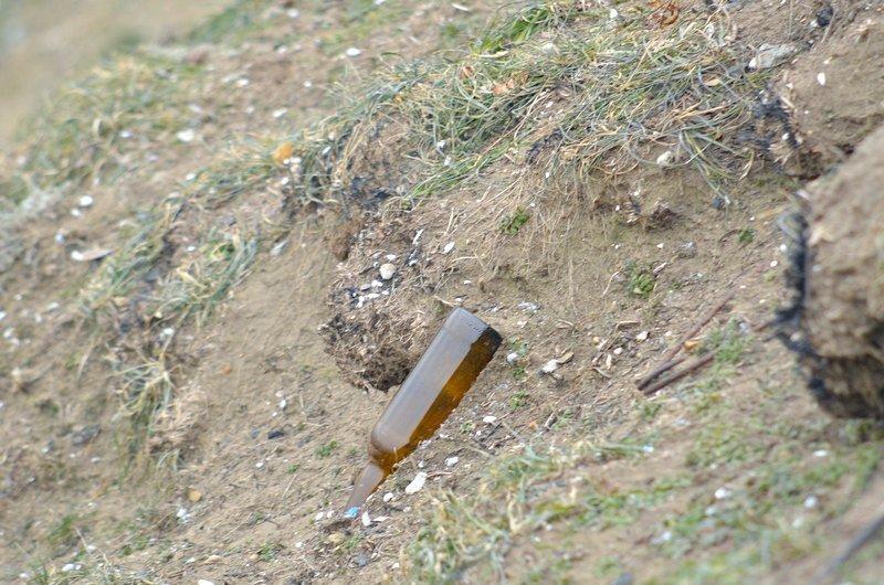 В одесской Аркадии бомжи «укрепляют» склоны мусором (ФОТО), фото-19