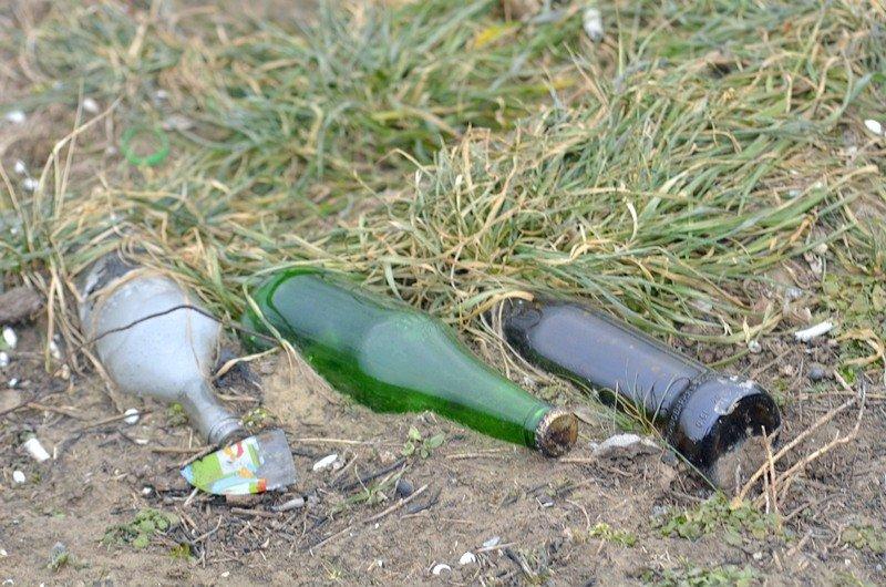 В одесской Аркадии бомжи «укрепляют» склоны мусором (ФОТО), фото-18
