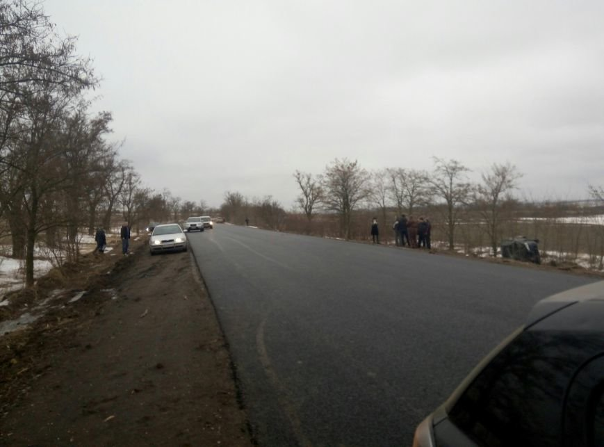 В Одесской области автомобили слетают с трасс из-за гололеда, фото-1