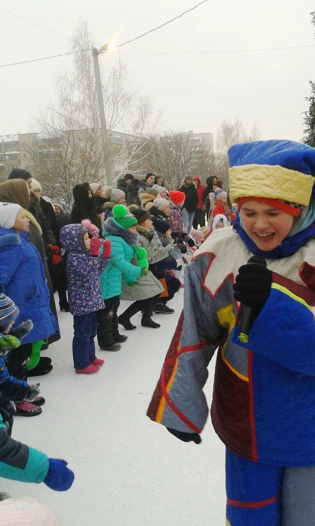 Снежный городок в южной части весело закрыт (фото), фото-12