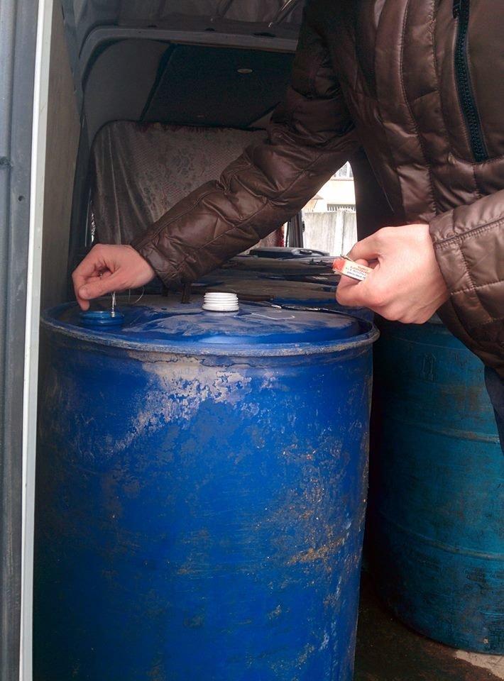 На Буковині силовики вилучили 3 тонни спирту (ФОТО), фото-2