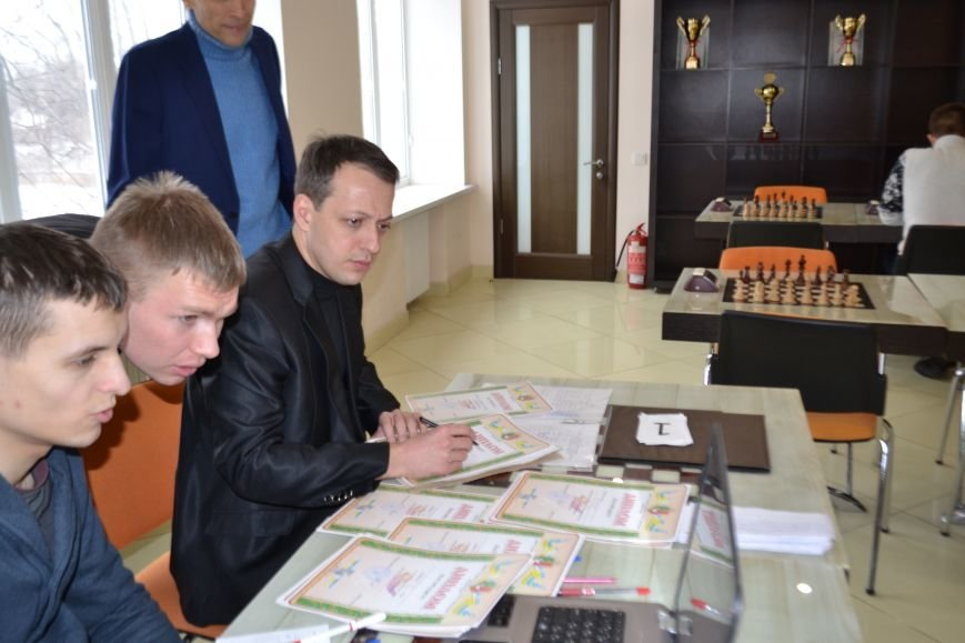 На шахматном турнире в Кривом Роге сильнейшей стала команда Центрально-Городского района (ФОТО), фото-12
