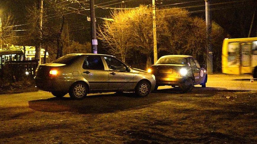 В Мариуполе на пр. Строителей сразу три автомобиля попали в аварию (ФОТО), фото-2