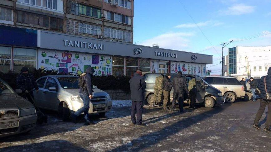 В Кривом Роге сообщили о взрывном устройстве в автомобиле на 95 квартале (ФОТО), фото-13