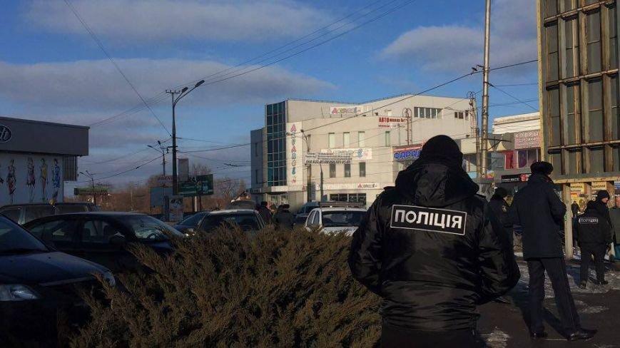 В Кривом Роге сообщили о взрывном устройстве в автомобиле на 95 квартале (ФОТО), фото-2