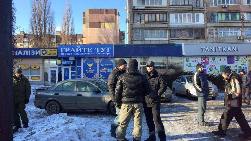 В Кривом Роге сообщили о взрывном устройстве в автомобиле на 95 квартале (ФОТО), фото-7