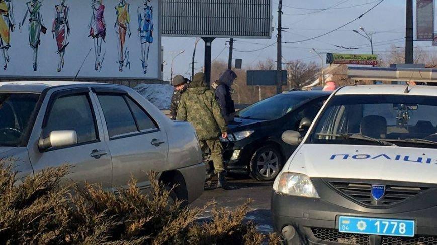 В Кривом Роге сообщили о взрывном устройстве в автомобиле на 95 квартале (ФОТО), фото-12