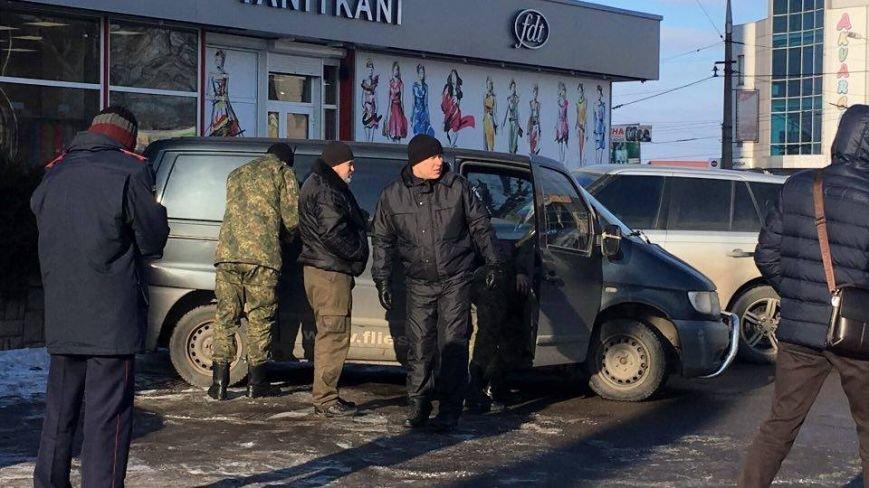 В Кривом Роге сообщили о взрывном устройстве в автомобиле на 95 квартале (ФОТО), фото-11