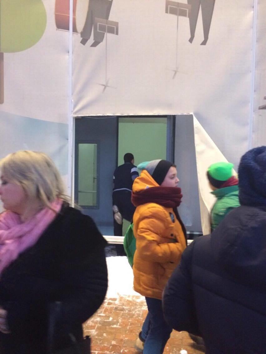 Эвакуация из ТЦ «Мануфактура» вызвала у сумчан панику (ФОТО), фото-3