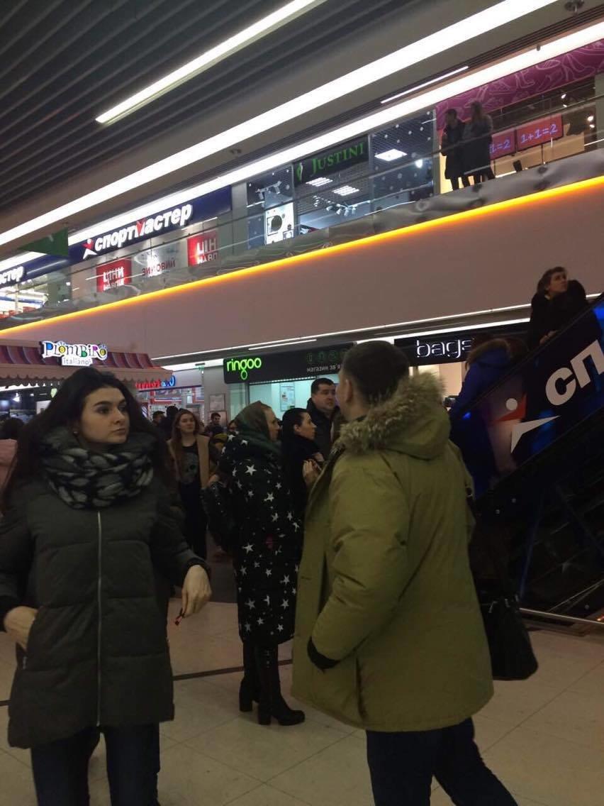 Эвакуация из ТЦ «Мануфактура» вызвала у сумчан панику (ФОТО), фото-6