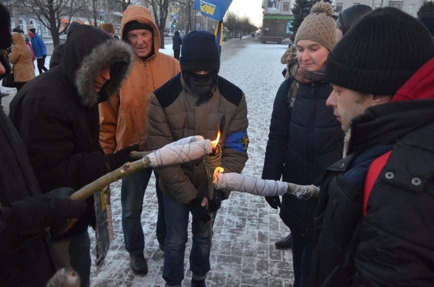 Запорожцы почтили память героев Крут факельным шествием, - ФОТОРЕПОРТАЖ, фото-4