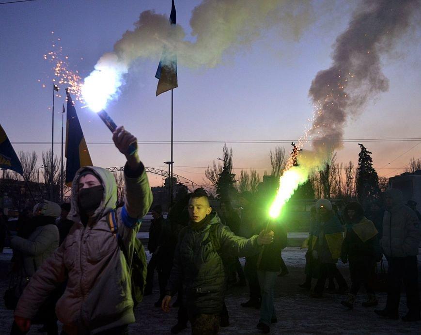 Запорожцы почтили память героев Крут факельным шествием, - ФОТОРЕПОРТАЖ, фото-5