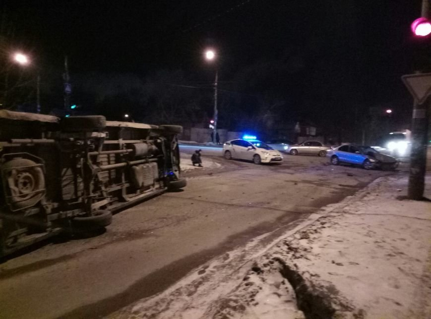 В Запорожье перевернулась маршрутка, - ФОТО, фото-4