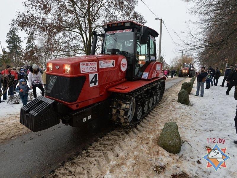 В Париже под Поставами прошли гонки на тракторах. ФОТО/ВИДЕО, фото-2