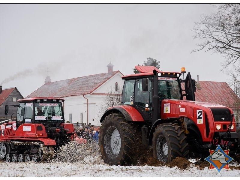 В Париже под Поставами прошли гонки на тракторах. ФОТО/ВИДЕО, фото-1