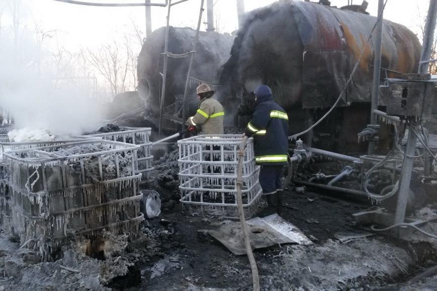 На Харьковщине горели емкости с мазутом. Пожар ликвидировали несколько часов (ФОТО), фото-3