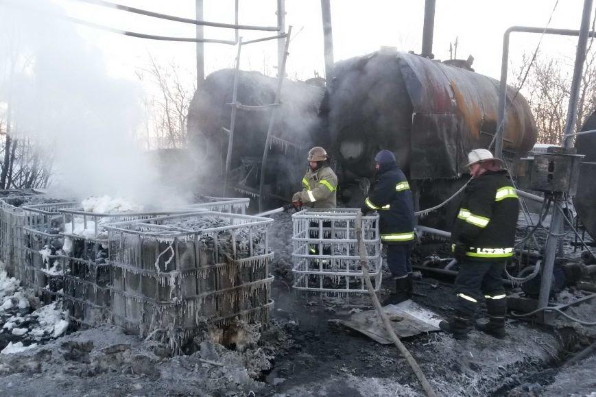 На Харьковщине горели емкости с мазутом. Пожар ликвидировали несколько часов (ФОТО), фото-4