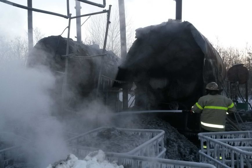 На Харьковщине горели емкости с мазутом. Пожар ликвидировали несколько часов (ФОТО), фото-2