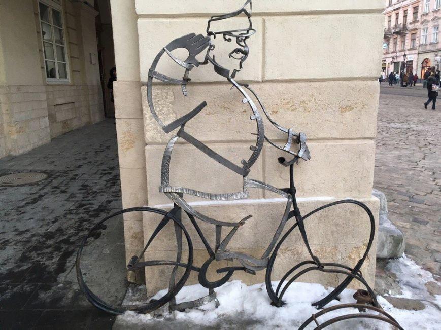 Усмішка, п'яничка і кентавр: ТОП-15 найцікавіших скульптур Львова, фото-8