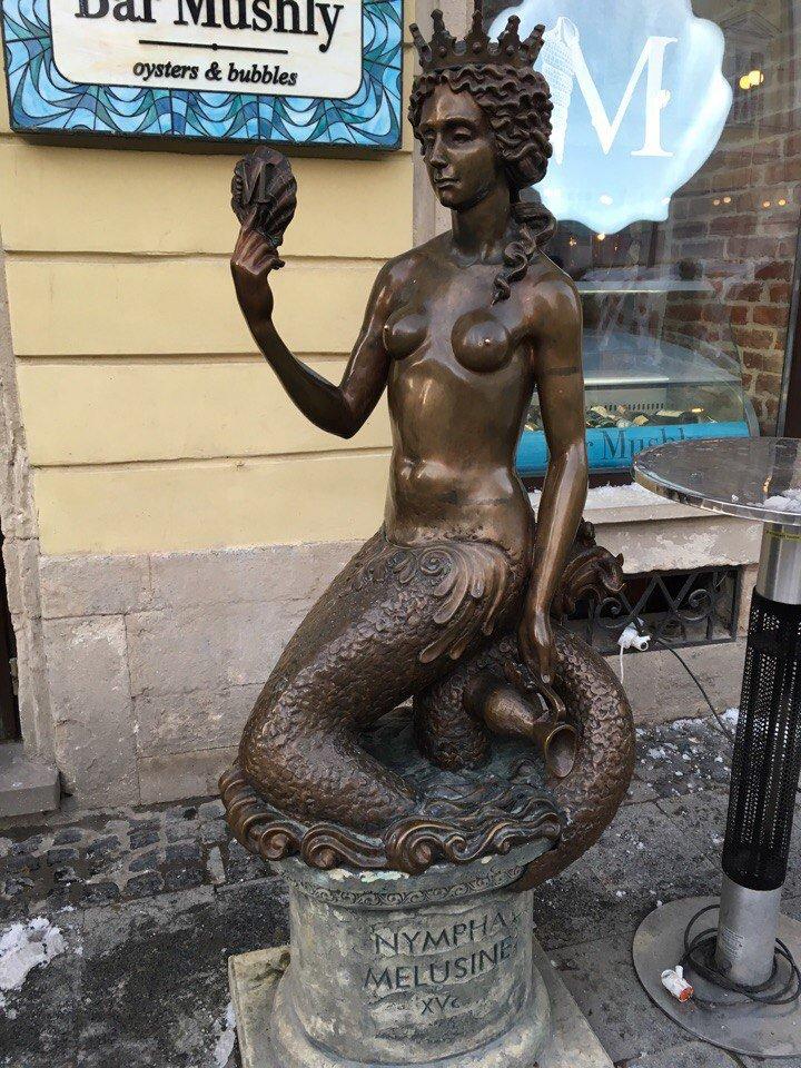 Усмішка, п'яничка і кентавр: ТОП-15 найцікавіших скульптур Львова, фото-6