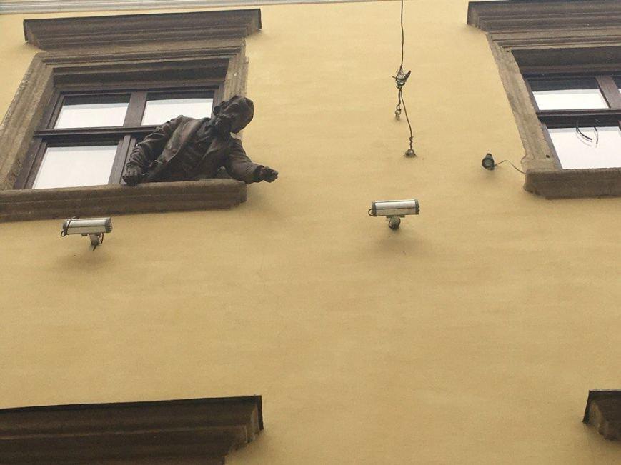 Усмішка, п'яничка і кентавр: ТОП-15 найцікавіших скульптур Львова, фото-3