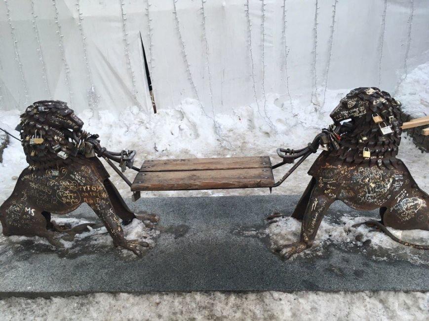Усмішка, п'яничка і кентавр: ТОП-15 найцікавіших скульптур Львова, фото-7