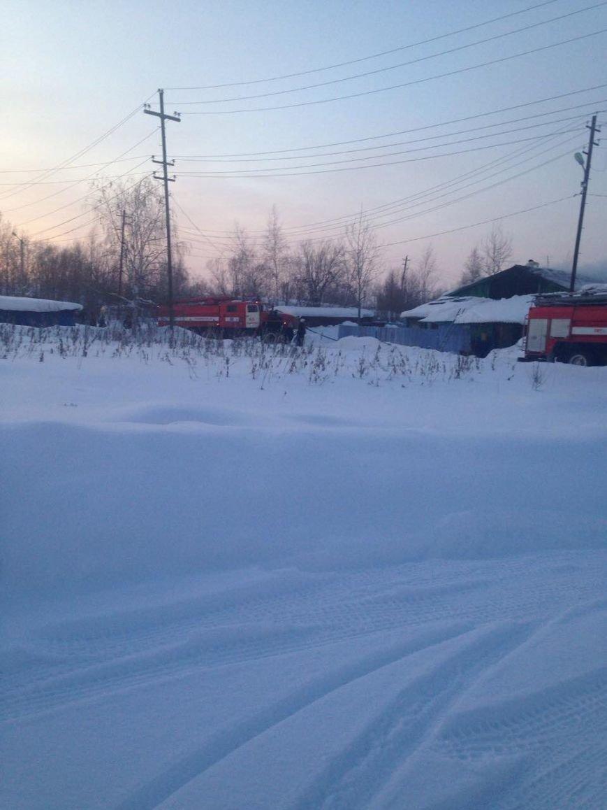 В Нижневартовске по очереди горели дома поселка Мостоотряд-69, фото-2