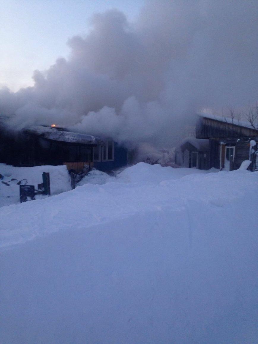 В Нижневартовске по очереди горели дома поселка Мостоотряд-69, фото-5