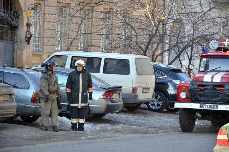 Утром в Одесском университете работали пожарные (ФОТО), фото-4